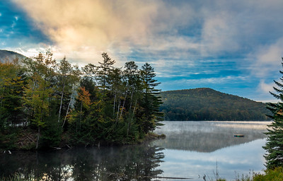 Early morning at Woodward Reservoir. Yep, Vermont is definitely starting to flash gang colors... #myvermontlife #thisiswherewelive #vtphotographer #foliage