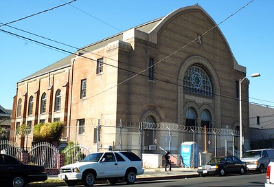 BreedStreetShul013-ViewFromSouthOnBreedSt-2006-10-18.jpg