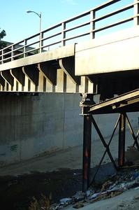 ConfluencePark019-BridgeOverArroyoSeco-2006-10-04.jpg