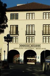 BiscailuzBuilding007-Front-2006-11-13.jpg