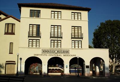 BiscailuzBuilding002-Front-2006-11-13.jpg