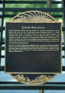 JonesBuilding004-PlaqueOnMain-2006-11-17.jpg