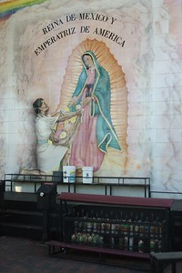 LaPlacitaChurch017-EastSideMural-2006-9-27.jpg