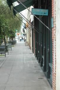 SepulvedaHouse004-DownSidewalk-2006-11-24.jpg