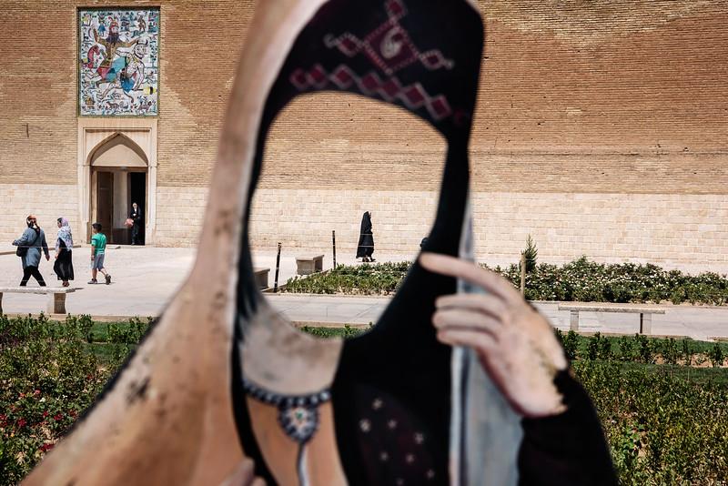 August 18, 2017 – Shiraz, Iran. A cutout of an Iranian woman in front of Karim Khan Palace, Shiraz. © Simone Tramonte