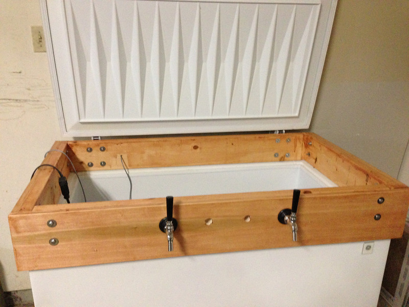 Freezer lid installed. Not very easy to do by yourself!