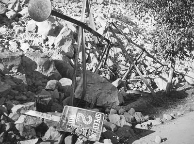 1937, Lanslide Wreckage