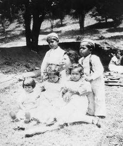 1933, Rodriguez Family