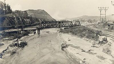 1915, Los Angeles River
