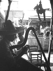 Olvera St, Musician