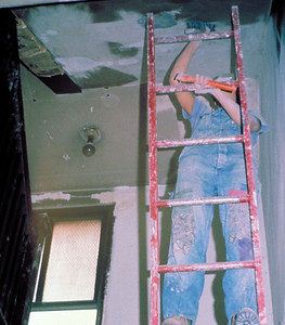 1975, Scraping the Ceiling