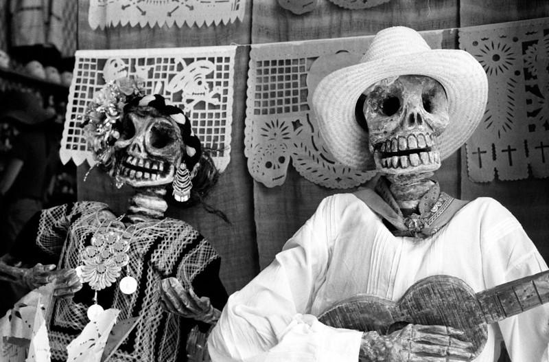 Musica de los Muertos. Oaxaca, Mexico. 2002.