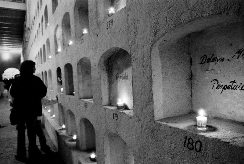 Perpetuidad No. 176. Panteon San Miguel, Oaxaca, Mexico. 2002.