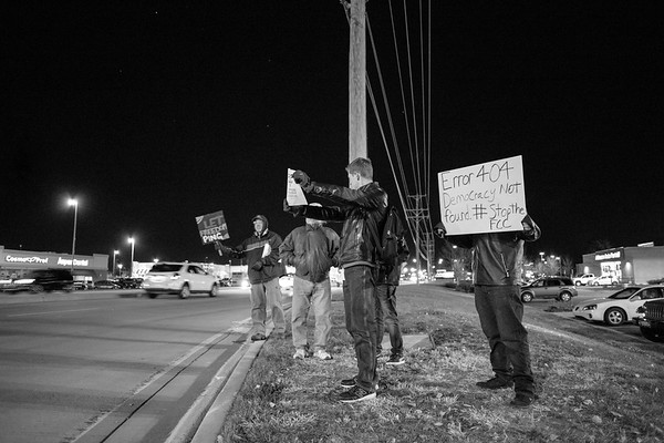 Machesney Park Verizon Net Neutrality Protest - December 2017
