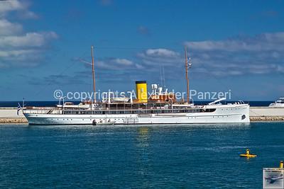 2021Aug30_Antibes_Yachts_001