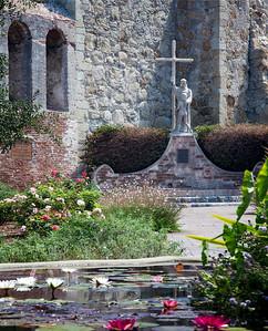 Fr. Serra statue, Mission San Juan Capistrano, CA