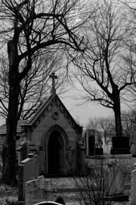 Notre Dame de Neiges in Montreal