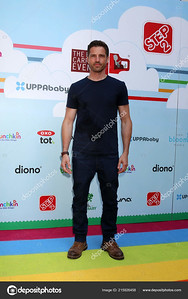 7th Annual Celebrity Red CARpet Event