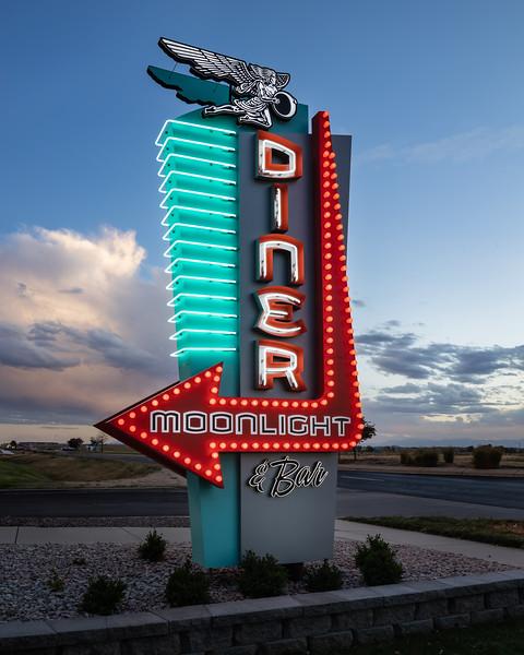 MoonlightDiner-Building-Sign-6372