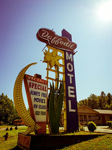 Motel Sign ~ Fife, Wa