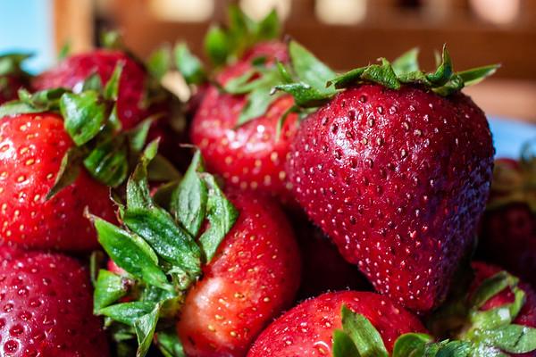 #clickinmomshunt18 #strawberries