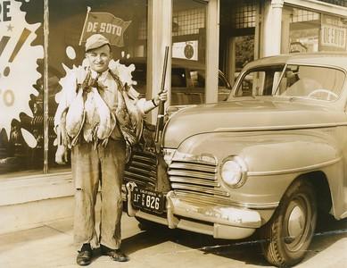 1941, Sidewalk Hunting