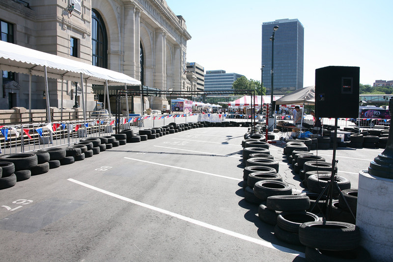 The front stretch, with Union Station behind.