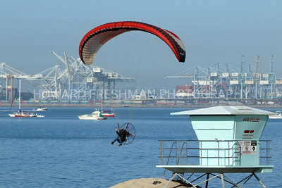 Parasailers over Long Beach 8/15/20