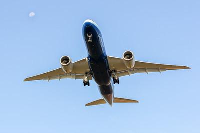 787 Overhead