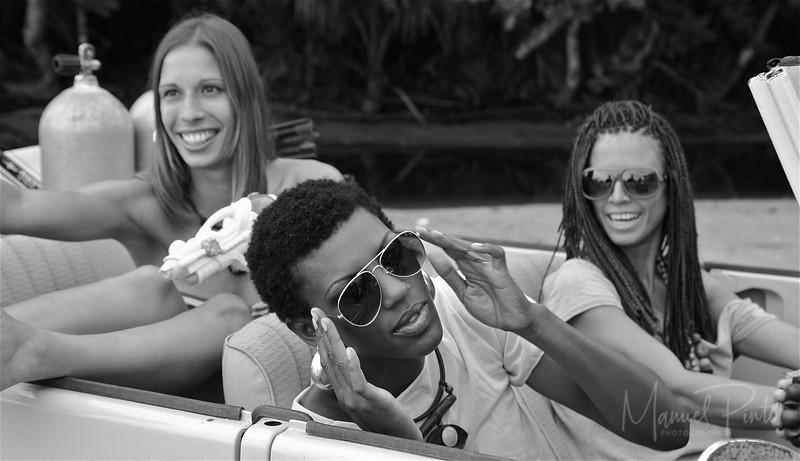 Irene, Hada & Sondra driving classic
