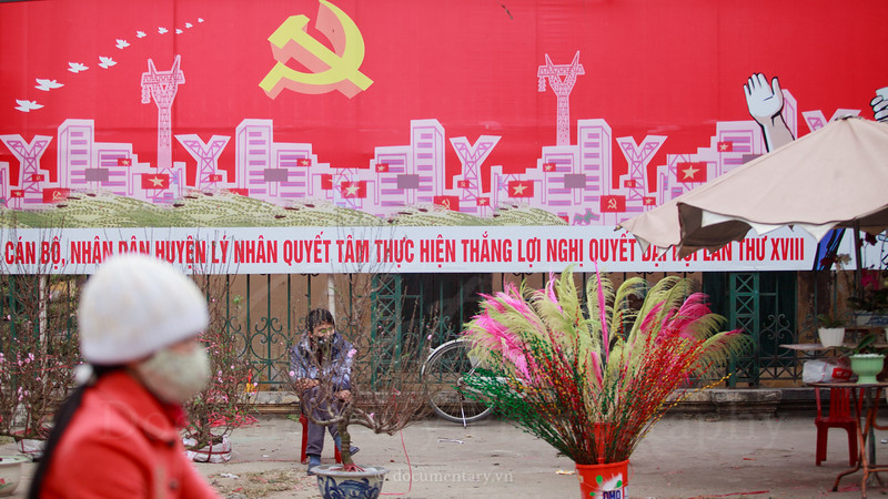 Selling flowers on streetside