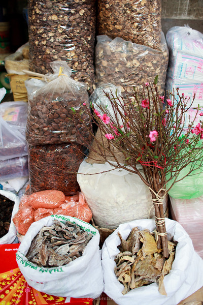 Peach blossom and dried foods