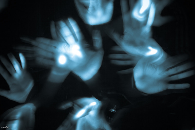 231 - Hands & Lights