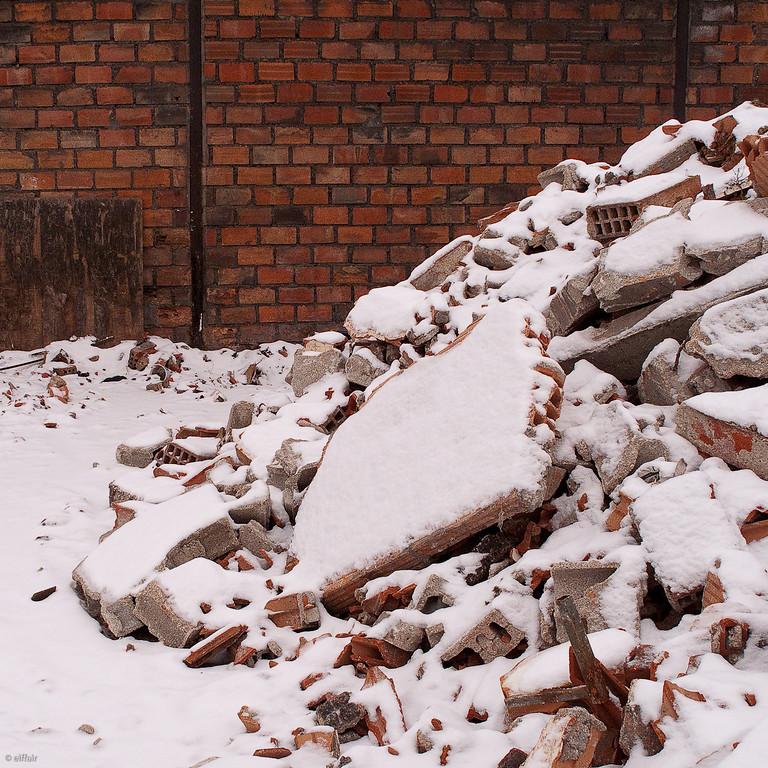 009 - Snow wall