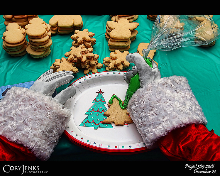 2018 Project 365: December 22 - Santa's Helping Hands #22<br /> <br /> Santa attends the North Pole neighborhood cookie decorating party and helps frost sugar cookies for the season's holiday festivities!