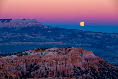 Moonrise, Bryce Canyon National Park