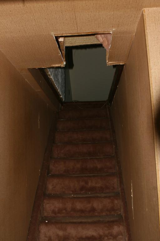 Wonderful 2006 11 16u003cbr /u003e U003cbr /u003e The Stairs Up