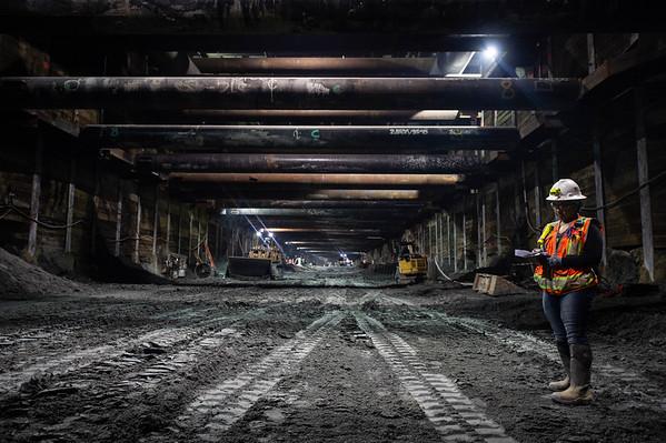 Purple Line Extension: Wilshire/La Cienega Station construction