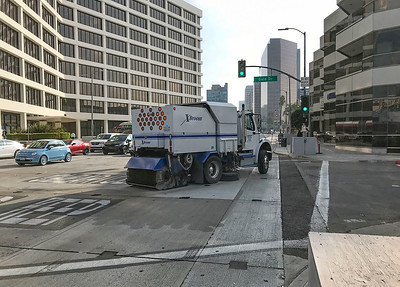 Street sweeping at Wilshire/La Cienega, Oct. 2018
