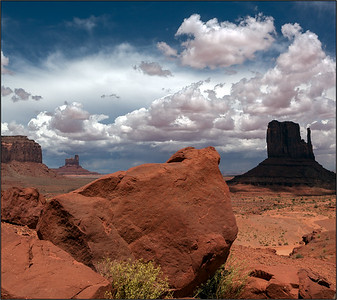 Monument Valley, 2 shot merge, DSLR, 2008