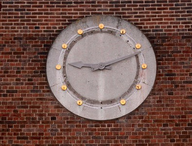 station parade clock