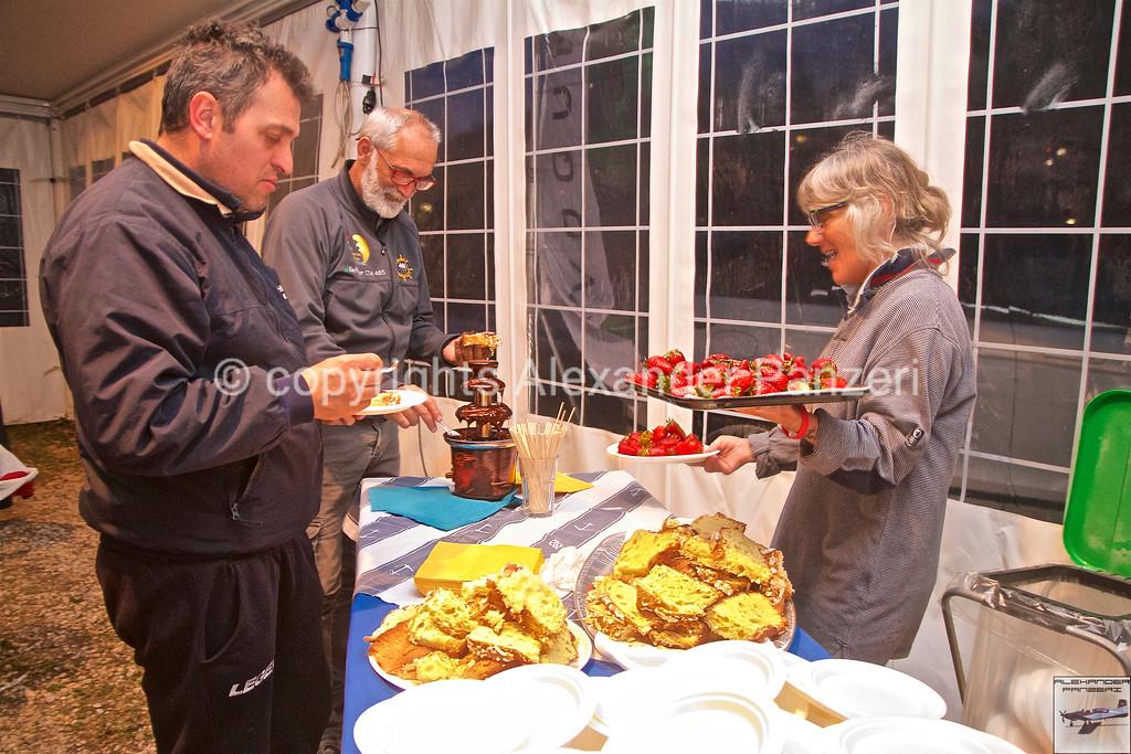 CVT: Dessert con colomba e primizie. copyright © photo Alexander Panzeri
