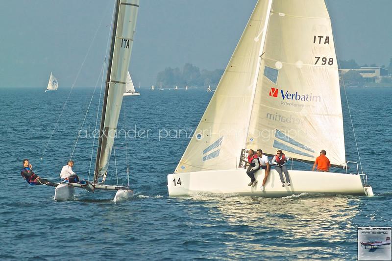 Nonstante la velocità i Melges sono raggiunti dai catamarani  partiti con la seconda partenza.