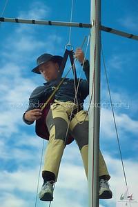 Per raggiungere la vetta ogni dettaglio conta, lo skipper Del Nero in cima all'albero di Mollicona  - J24ITA2014