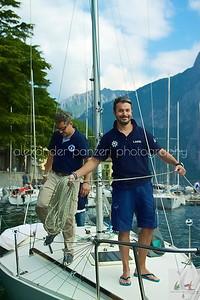 Il team di MARIVA felicemente prepara la barca per gli allenamenti  - J24ITA2014