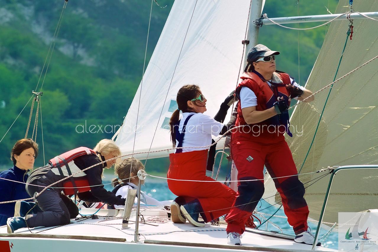 Il team delle signore di Lecco in azione  - J24ITA2014