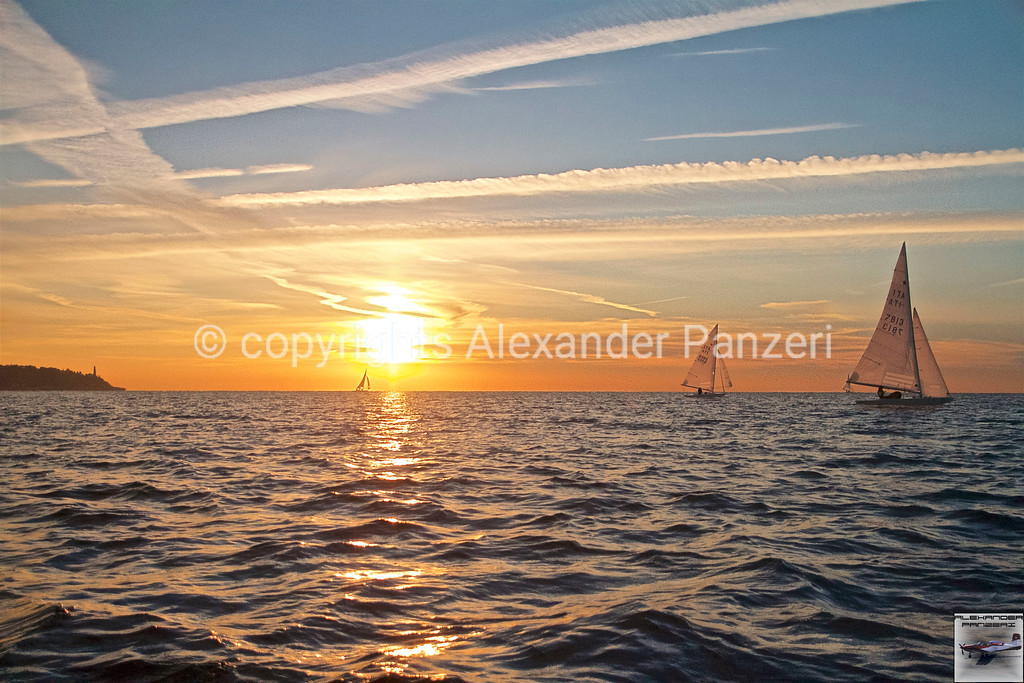 Sunrise on the Stars copyright © photo Alexander Panzeri