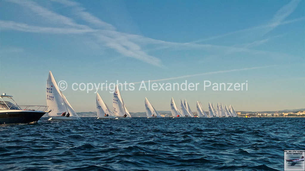Starting line copyright © photo Alexander Panzeri