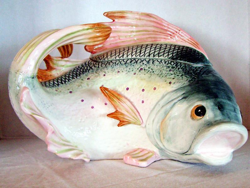 "Fish Soup Tureen<br /> <br /> Oceans of Abundance Collection<br /> <br /> Kaldun & Bogle<br /> <br /> Measures 15"" x 12"" x 11.5"""