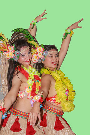 3499 Two Dancers happy